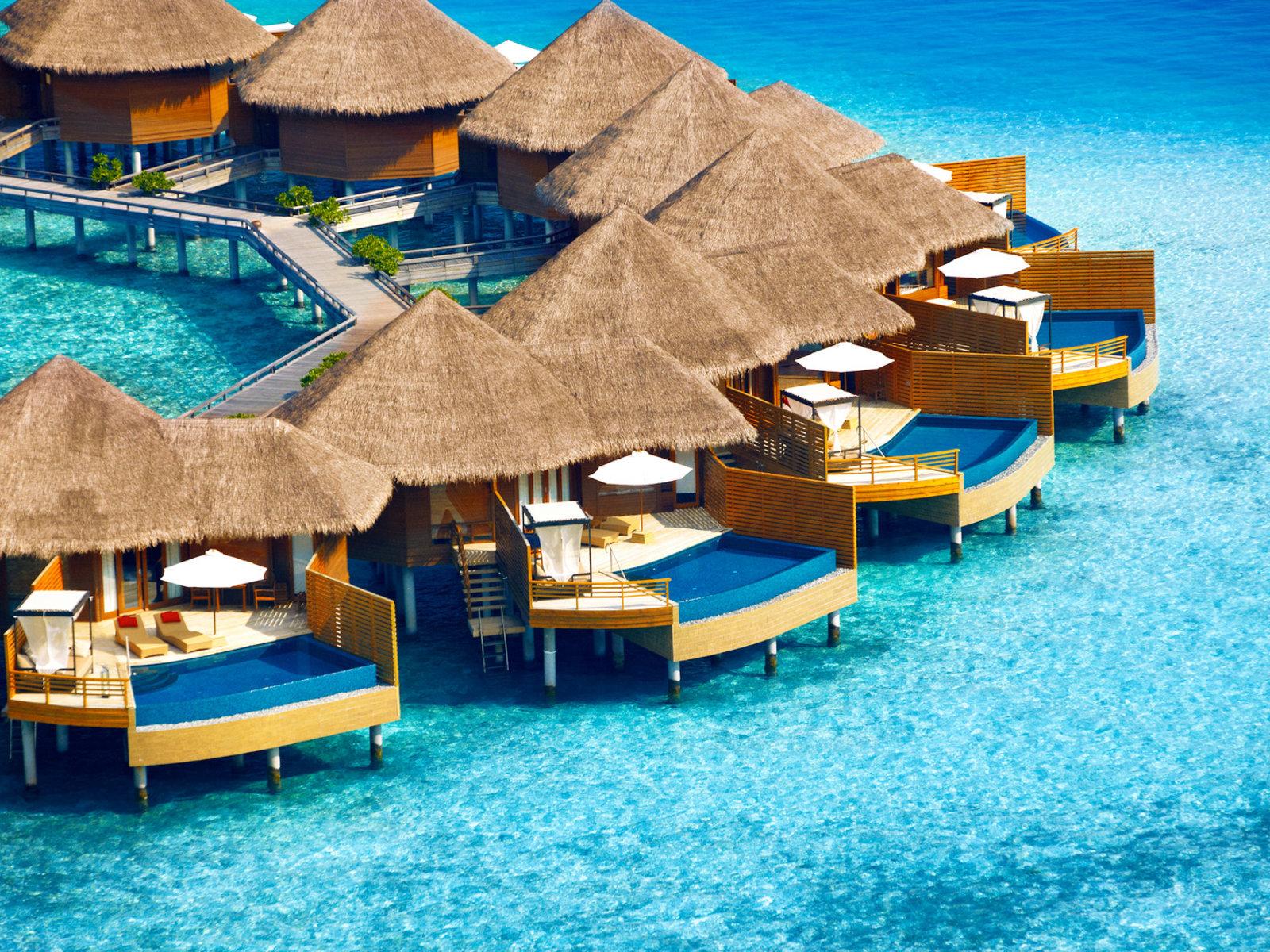 Wohnbeispiel Water Pool Villa