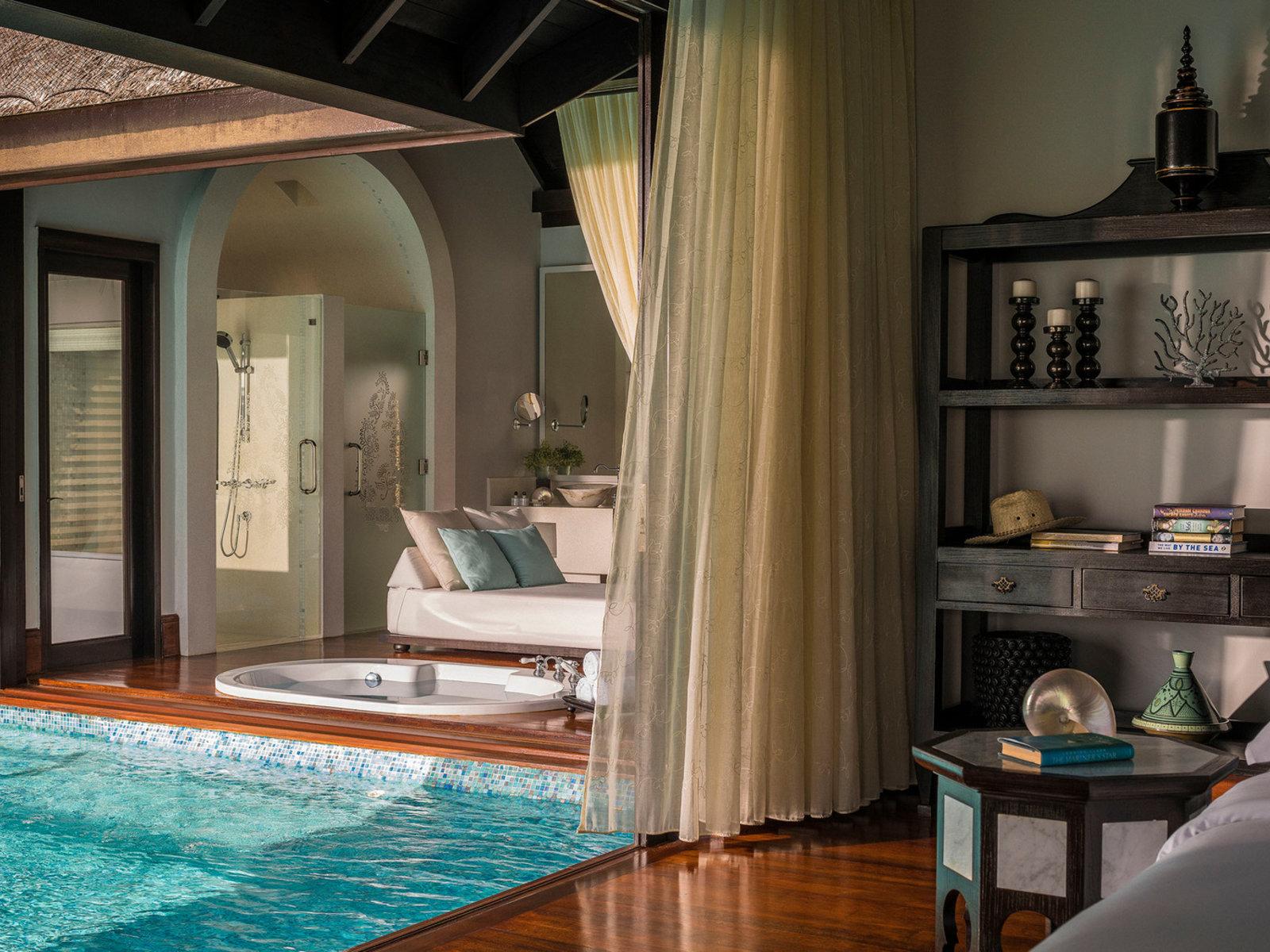 Wohnbeispiel Over Water Pool Villa