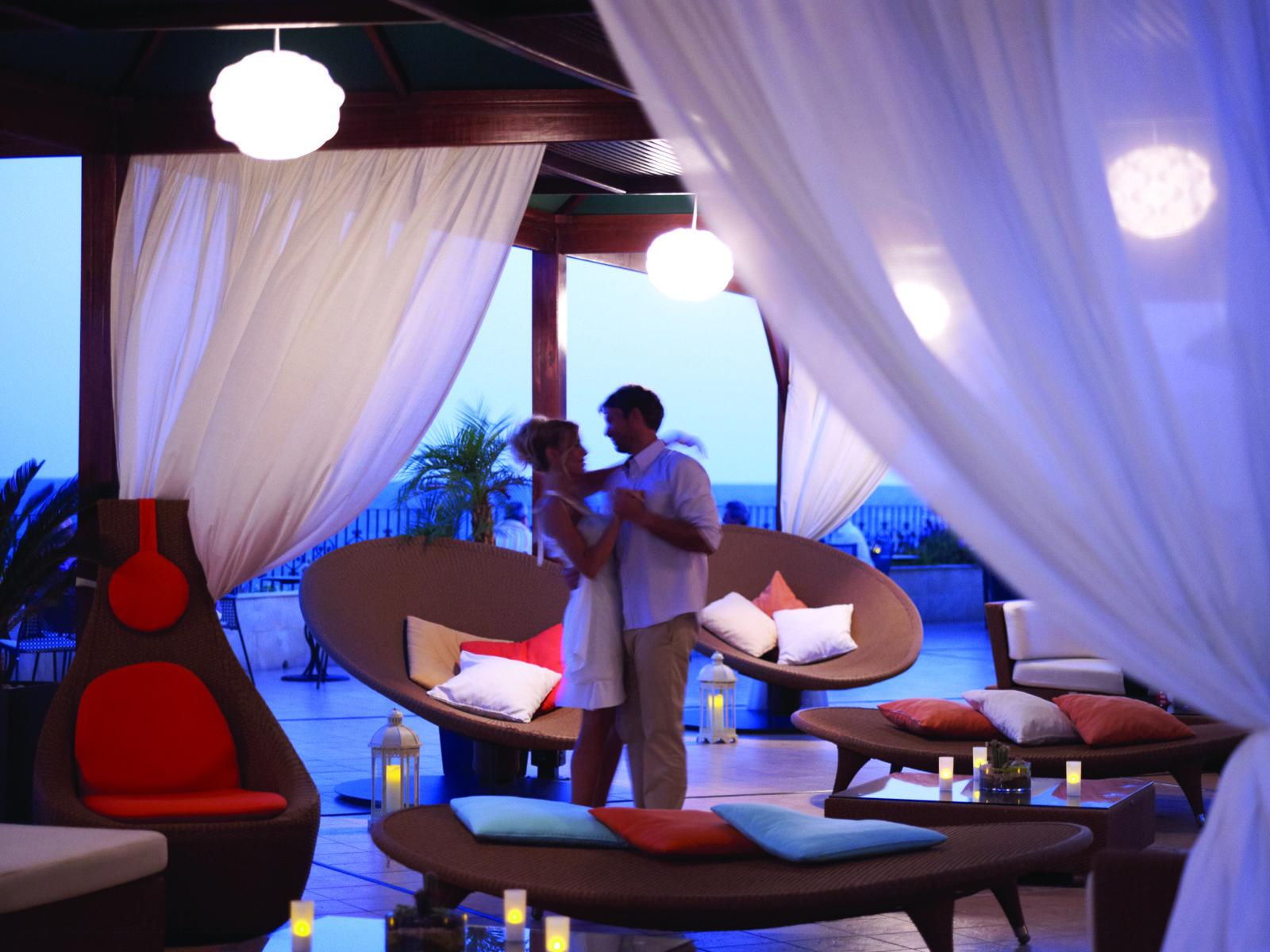 Orfeas Lounge Bar and terrace