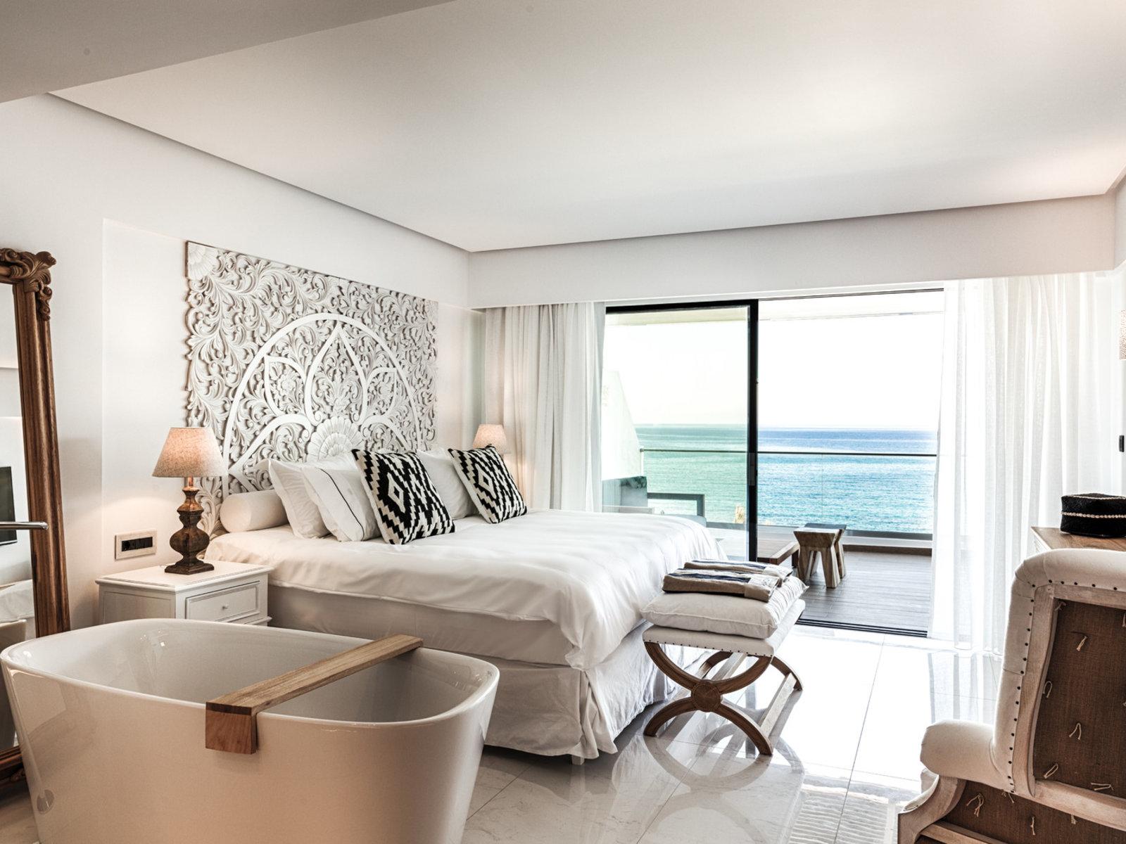 Wohnbeispiel Thalassa Deluxe Seafront Guestroom