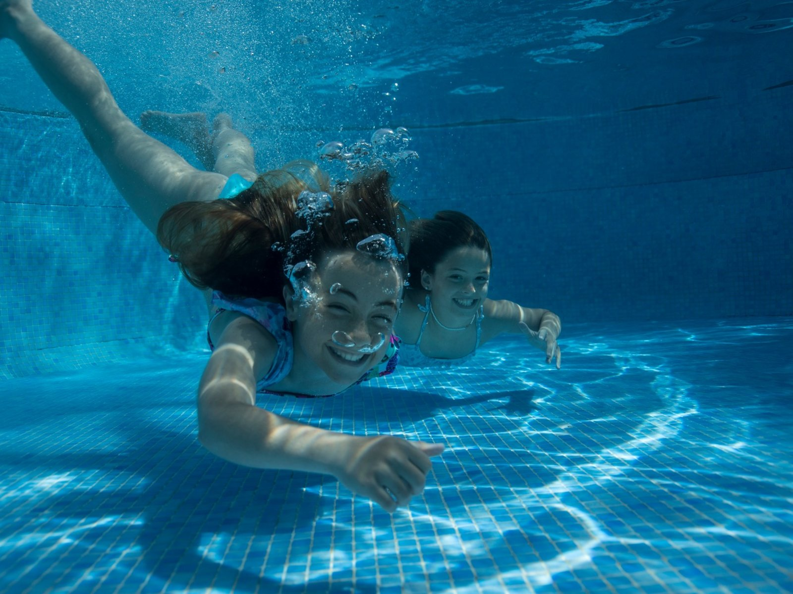 Free form pool (402 m2)