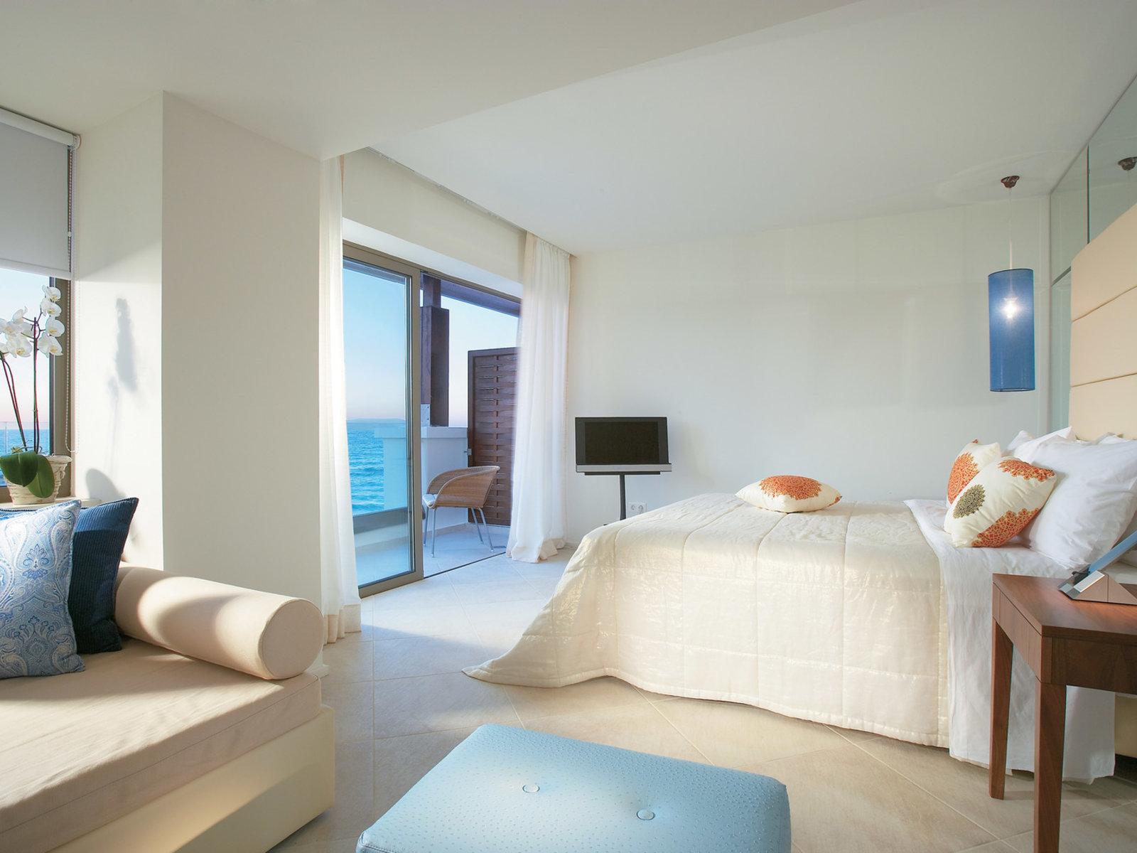 Wohnbeispiel luxury room with sea view