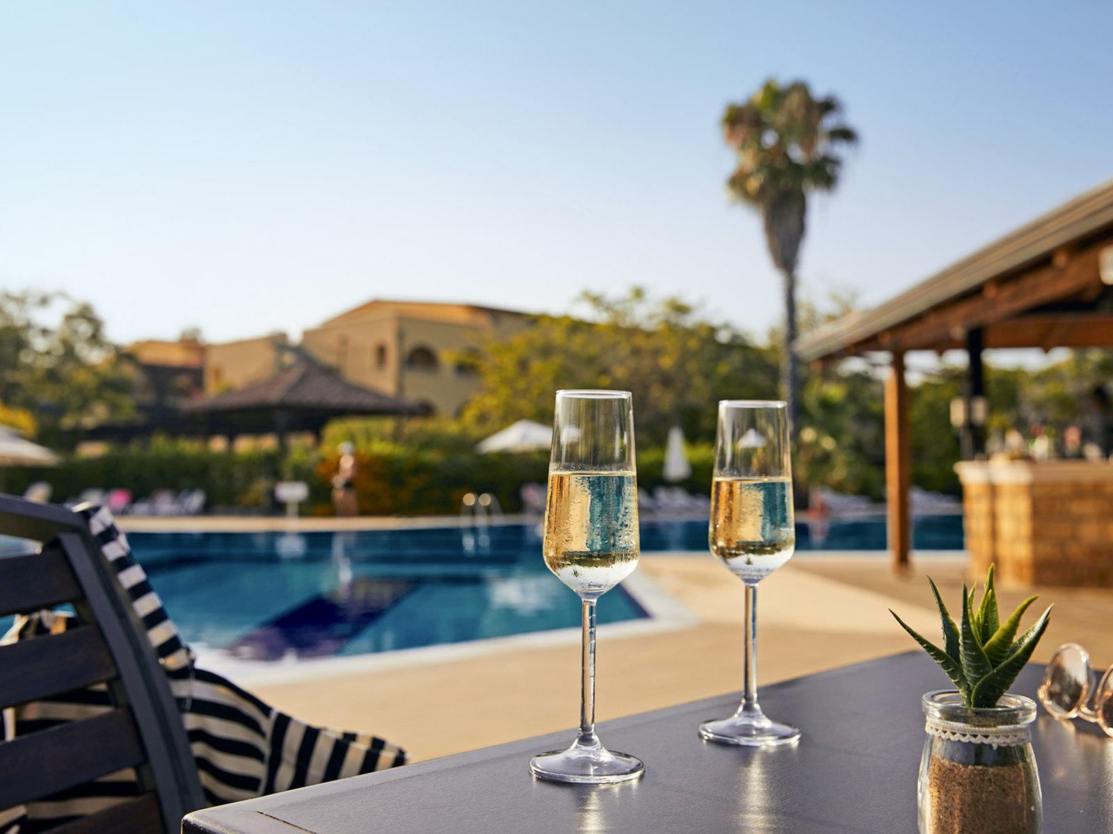 Poolbar Private Lodge