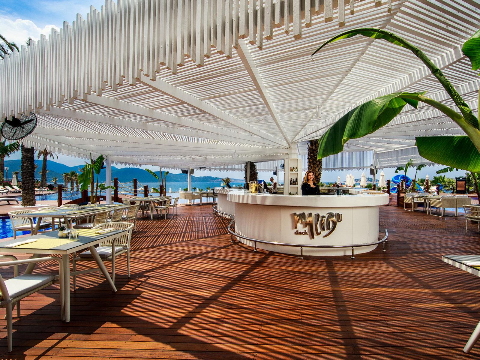 Malibu Deck
