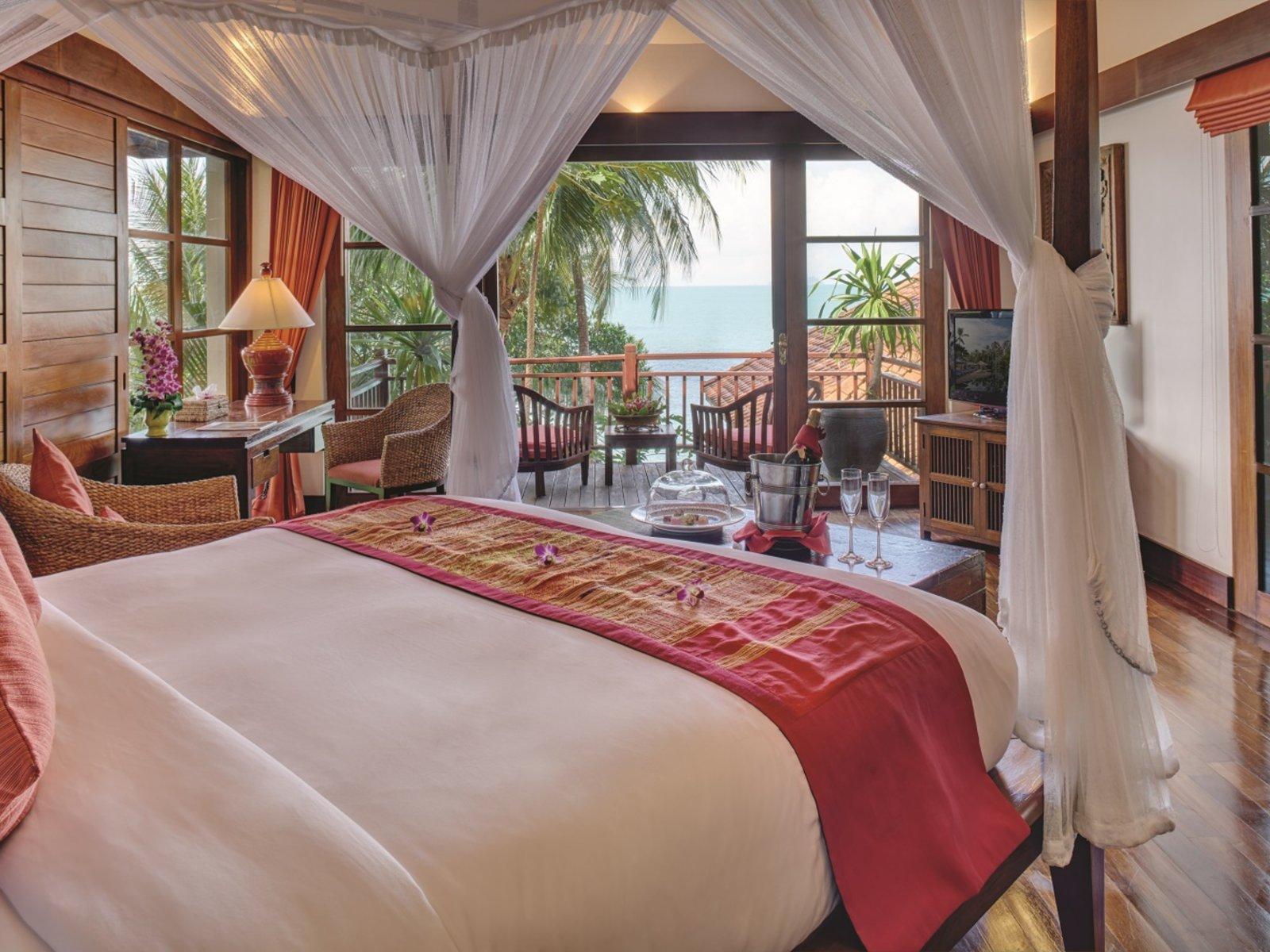Wohnbeispiel Two Bedroom Oceanfront Pool Residence