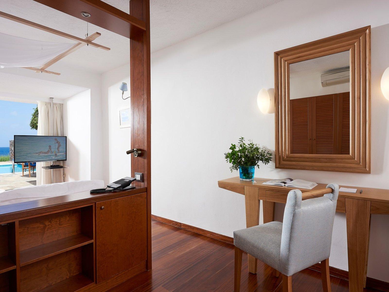 Wohnbeispiel Club - Villa Two Bedroom Seaview Private Pool