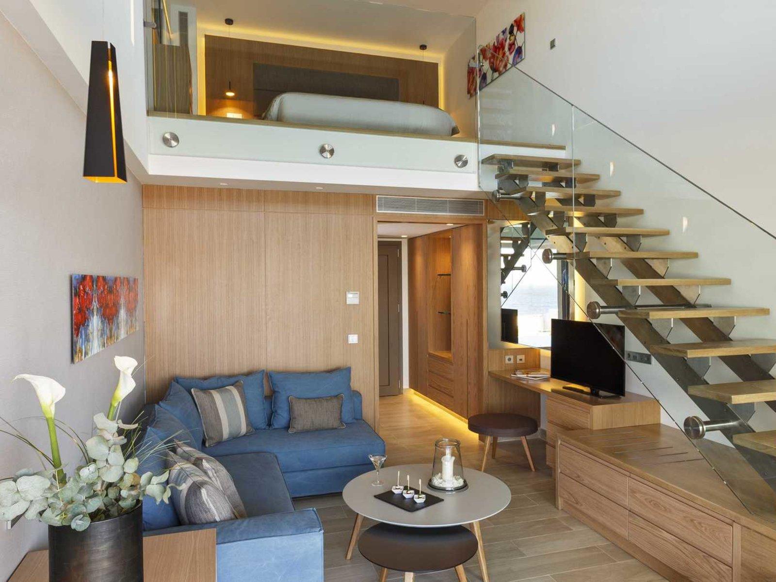 Wohnbeispiel Deluxe suite duplex swim up - red carpet room type