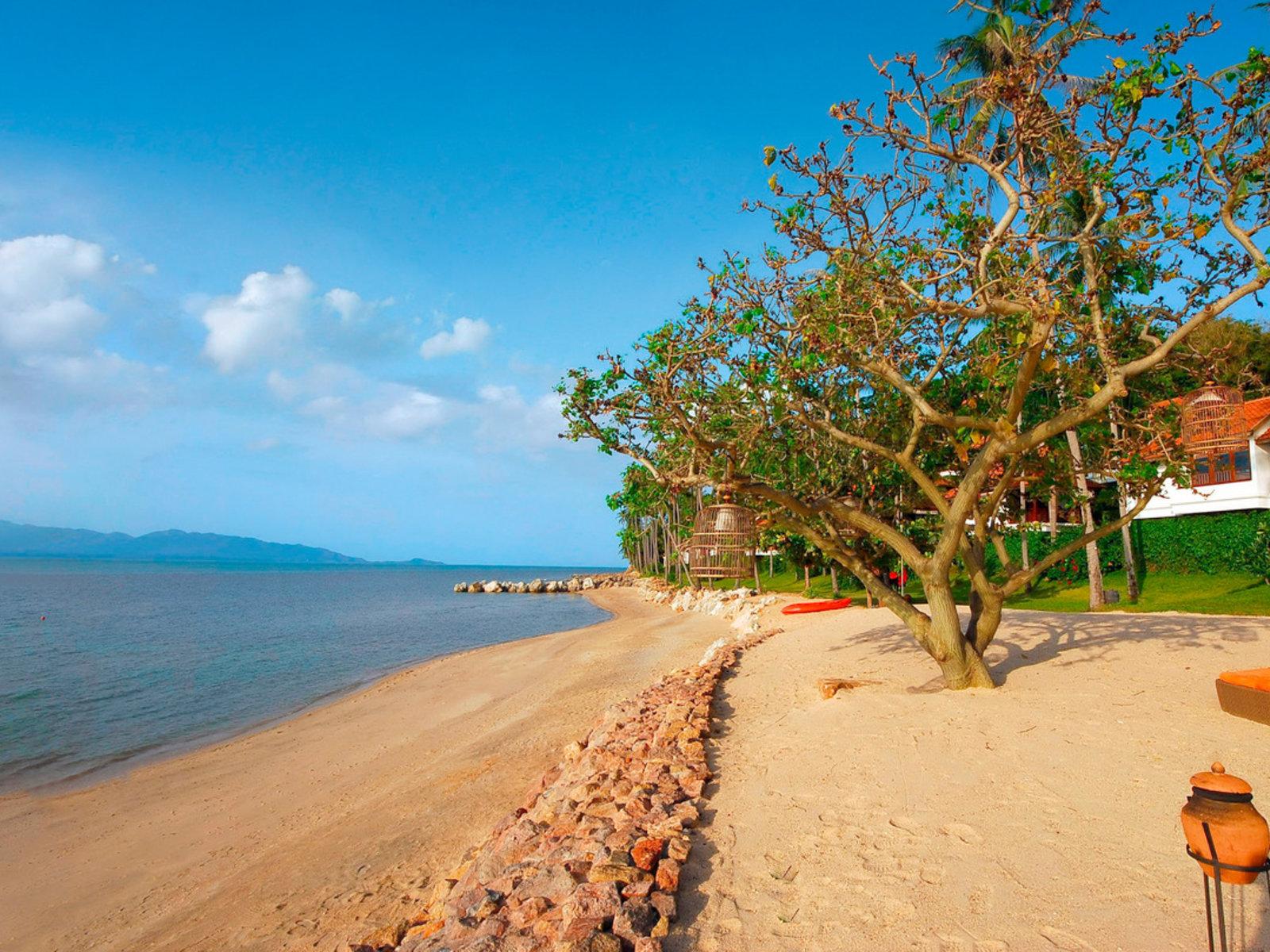 Belmond Napasai beach