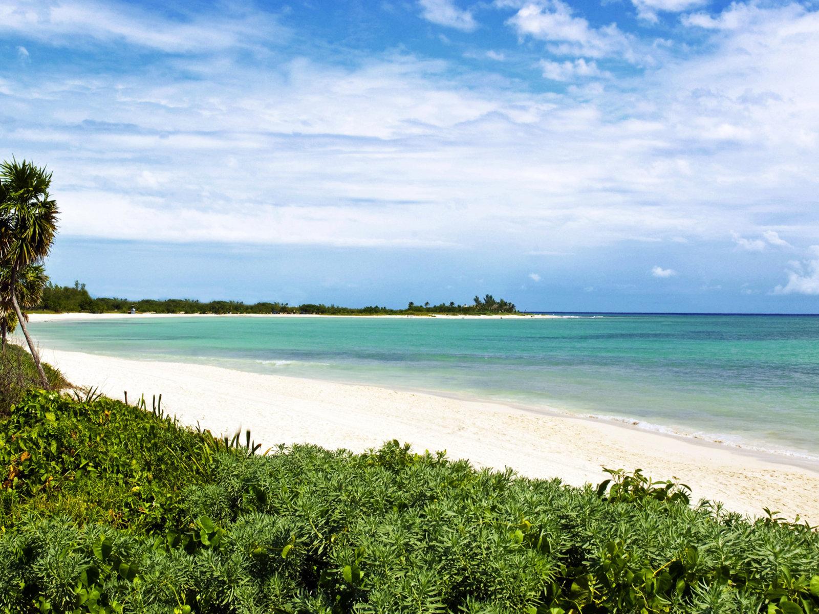 Playa La Esmeralda