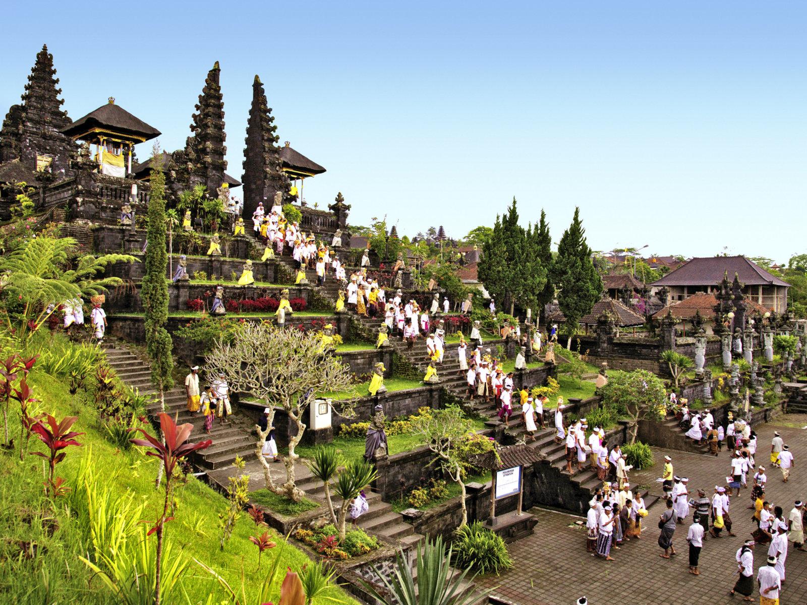 Festival am Tempel Pura Besakih ©Visit Indonesia Tourism