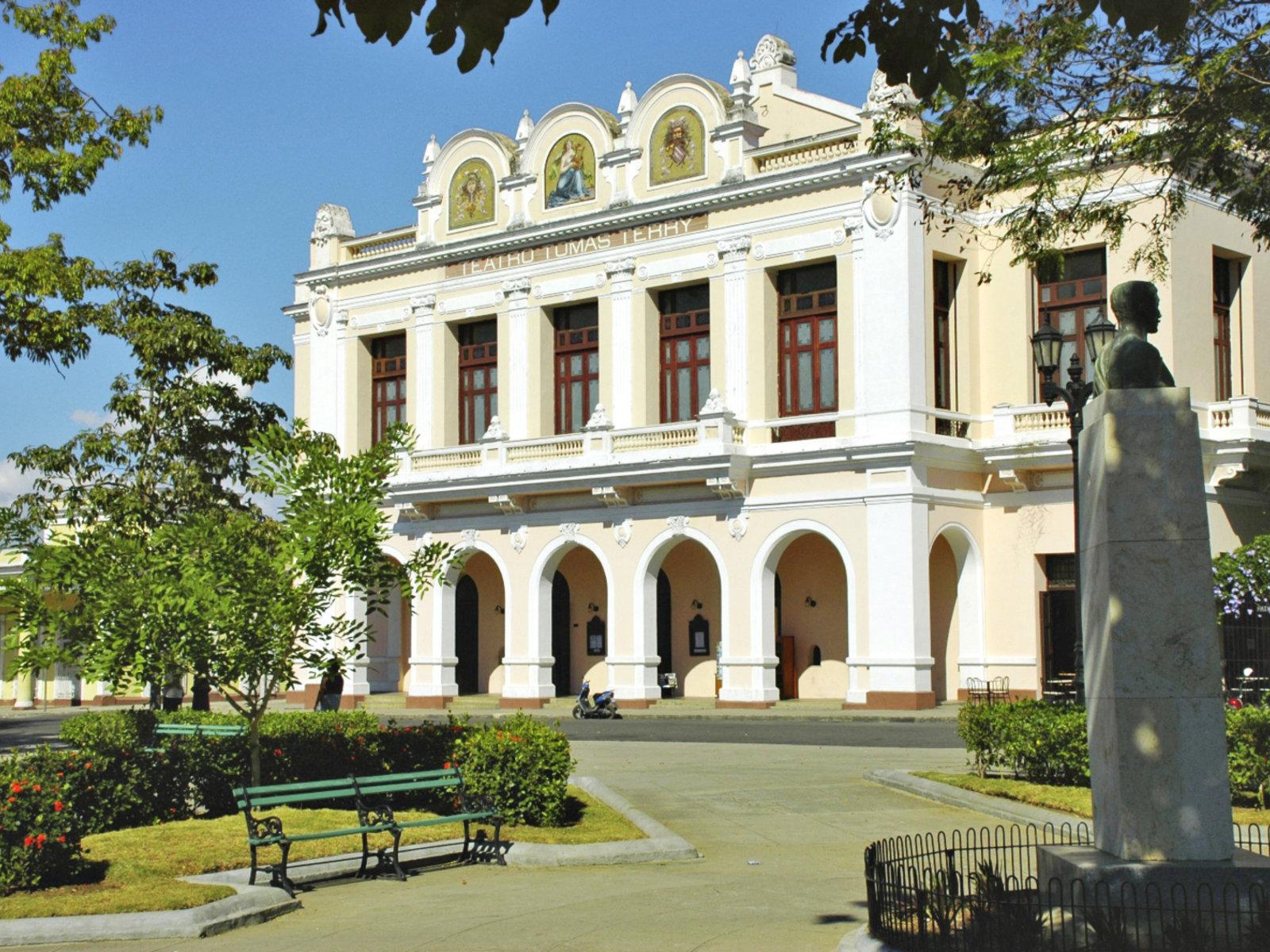 Teatro Tomás Terry in Cienfuegos © NexusTours