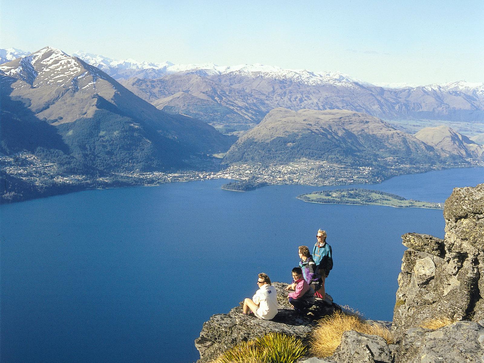 Queenstown, Lake Wakatipu ©Tourism New Zealand/Destination Queenstown