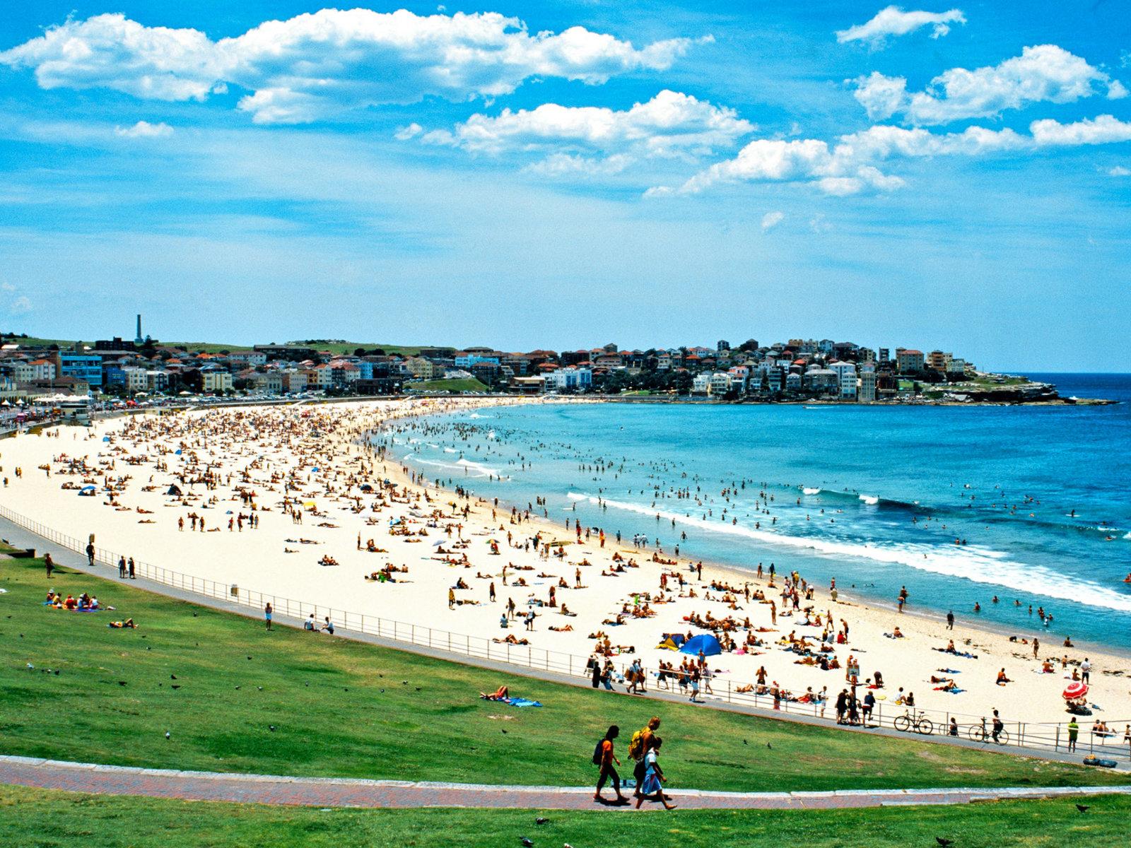 Sydney, Bondi Beach © Tourism Australia