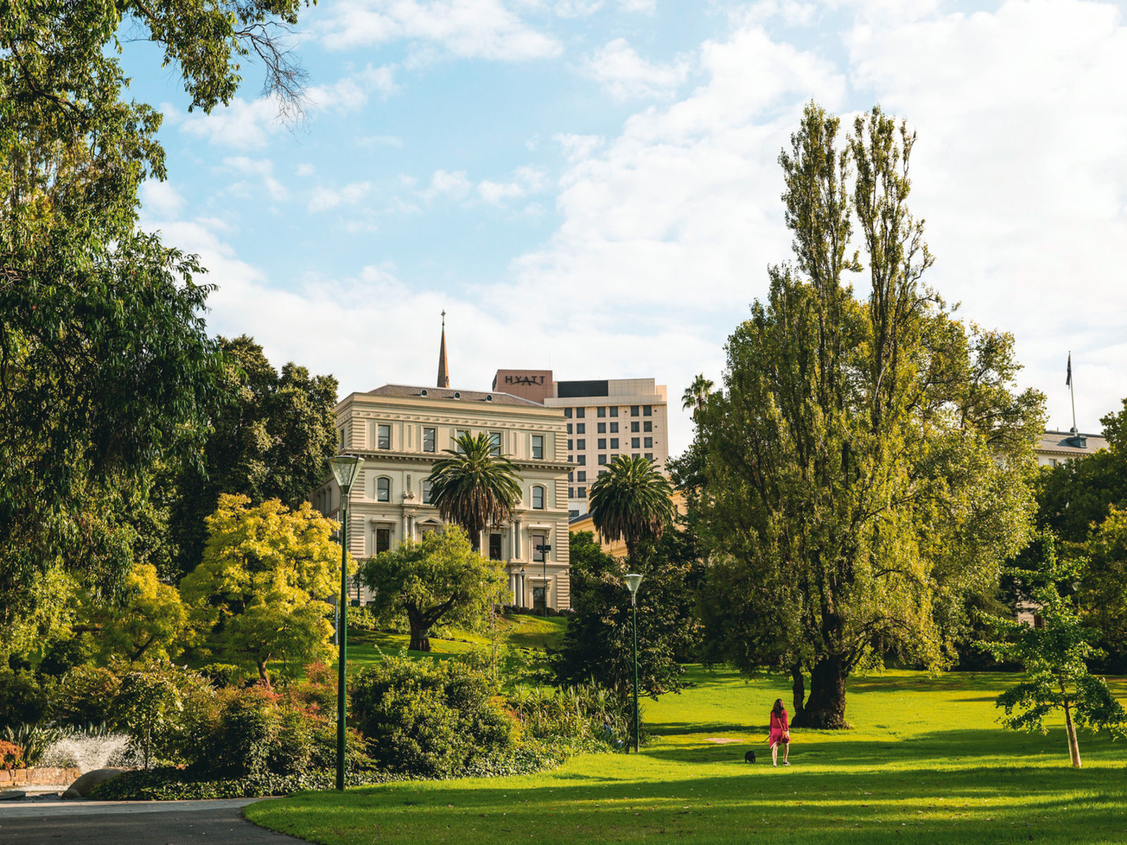 East Melbourne, Treasury Gardens ©Tourism Australia