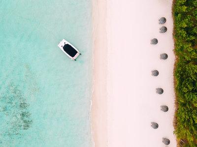 Ile Aux Cerfs Beach