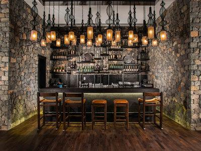 Rose Lounge