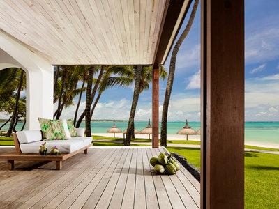 Wohnbeispiel HM Beach Front Suite private Deck