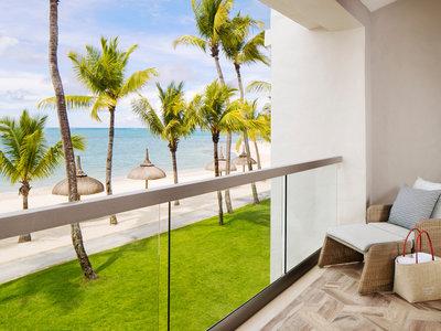 Wohnbeispiel Honeymoon Beachfront Balcony Room