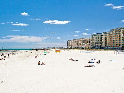 Adelaide, Glenelg Beach ©Tourism Australia