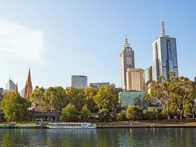 Melbourne, Yarra River Southbank ©Tourism Australia