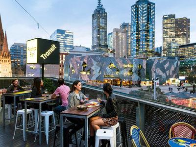 Melbourne, Transit Rooftop Bar Melbourne Laneways, Centre Place ©Tourism Australia