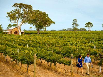 Coonawarra, Honeysuckle Rise Cottage at Highbank Wines ©Tourism Australia
