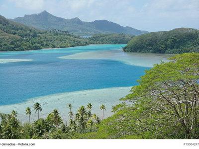 Bourayne Bay, Huahine © damedias - Fotolia.com