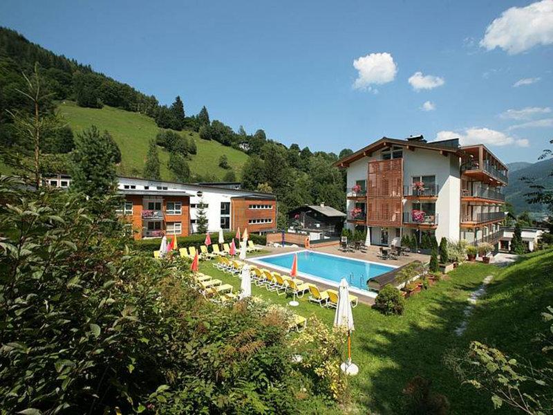 Salzburger Land, Hotel Der Waldhof vom 2016-02-27 bis 2016-03-05, für 610,- Euro p.P.