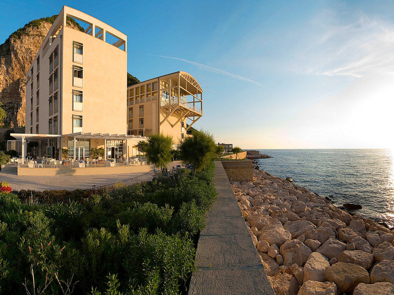 Coast Capri Hotel Jobs