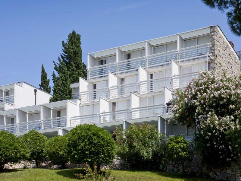 Mitteldalmatien - inkl. Flug, Bluesun Hotel Berulia vom 2016-10-17 bis 2016-10-24, für 407,- Euro p.P.