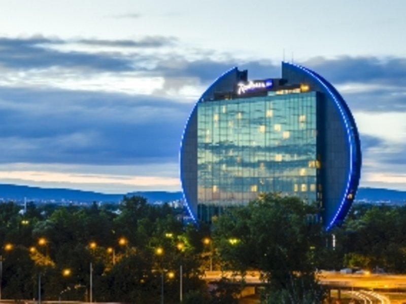 Frankfurt, Radisson Blu Hotel Frankfurt vom 2016-09-23 bis 2016-09-24, für 50.04,- Euro p.P.