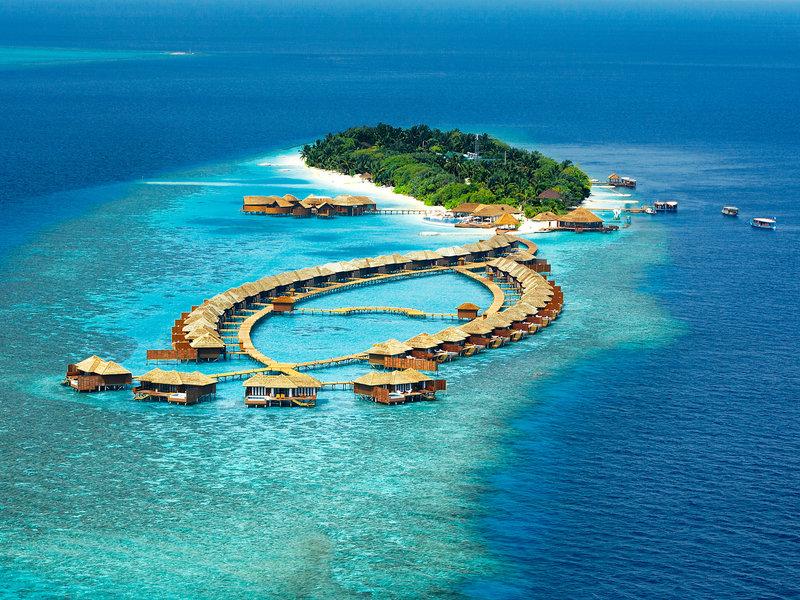 Süd Ari Atoll, Lily Beach Resort Spa vom 2016-06-20 bis 2016-06-27, für 2911,- Euro p.P.