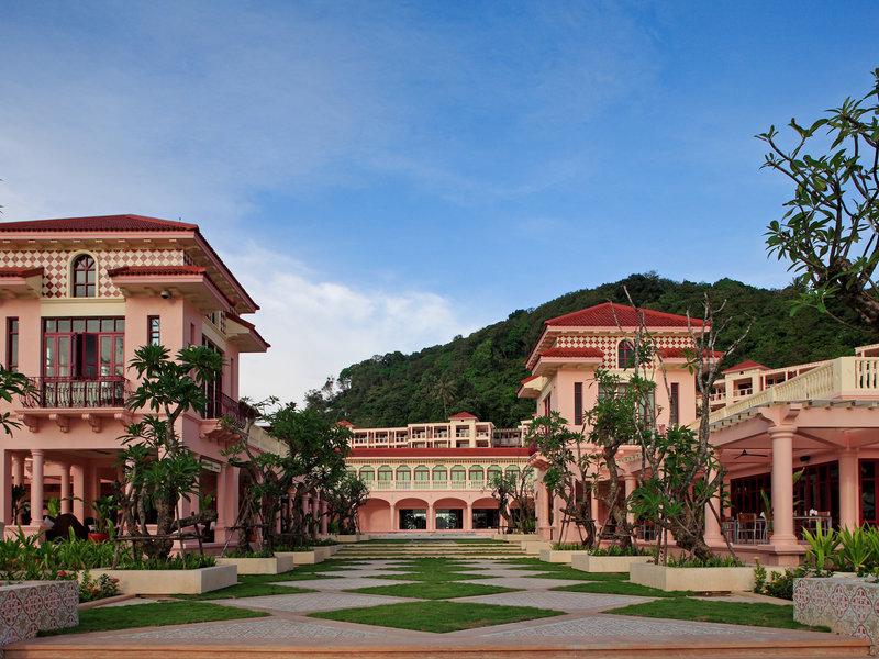 Phuket, Centara Grand Beach Resort Phuket vom 2016-05-30 bis 2016-06-06, für 1054,- Euro p.P.