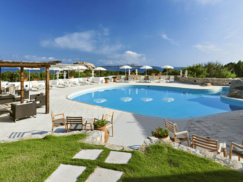 Baja Sardinia, Suite Hotel Grand Relais dei Nuraghi vom 2016-05-29 bis 2016-06-05, für 828,- Euro p.P.